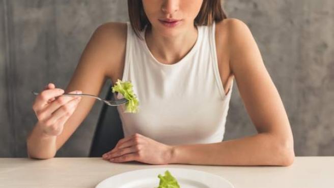 Se han detectado contenidos en internet que promueven la anorexia y la bulimia.