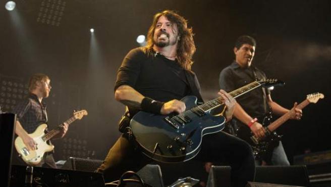 Foo Fighters durante un concierto.