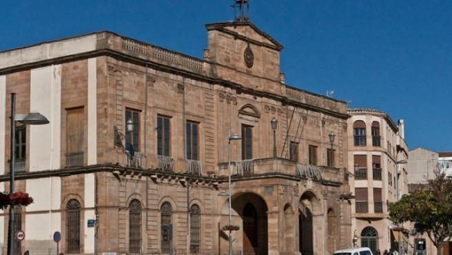 Fachada del ayuntamiento de Linares.