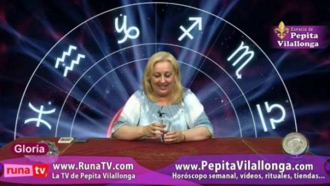 Uno de los programas de videntes que se emiten en televisión de madrugada
