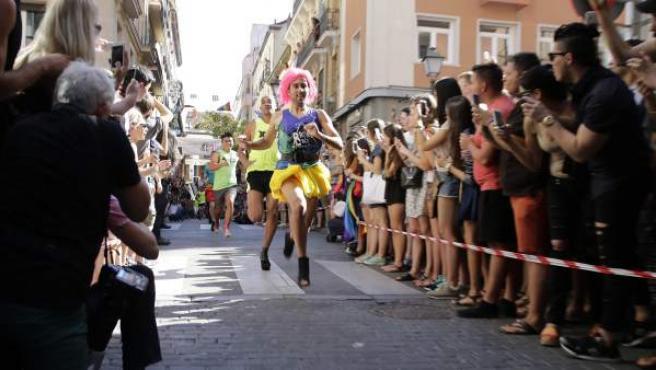 El Orgullo de Madrid celebra la vigésima edición de la Carrera de tacones.