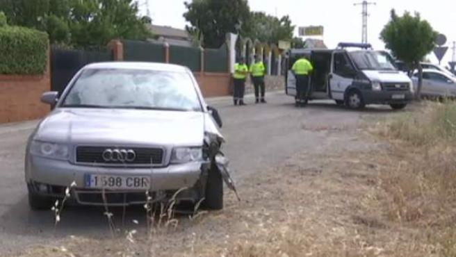 Imagen del vehículo cuyo conductor ha atropellado mortalmente a un ciclista en Palomeque, Toledo.