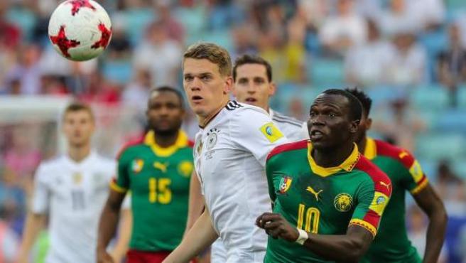 Un lance del partido entre Alemania y Camerún de la Copa Confederaciones.