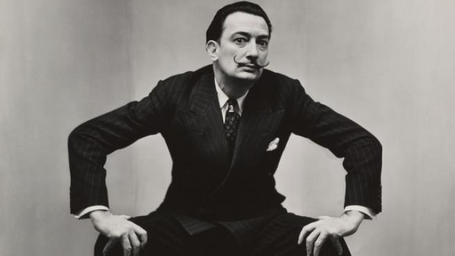 Salvador Dalí retratado por Irving Penn