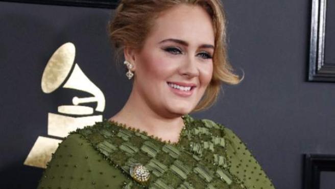 Adele, en los Grammy 2017, nominada en 5 categorías.