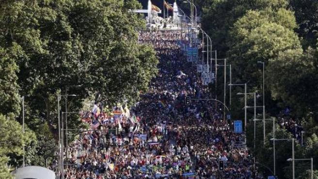 Miles de personas han recorrido las calles del centro de Madrid durante la manifestación del Orgullo Gay 2017.