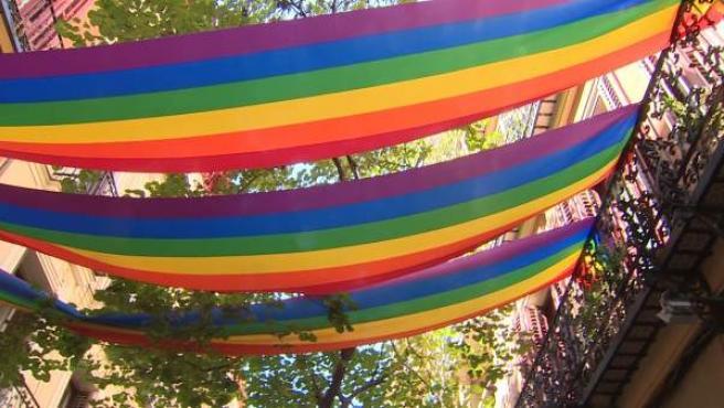 Banderas y mucho colorido en Madrid por la celebración del World Pride.