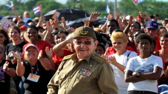 El líder cubano, Raúl Castro, sonriente.