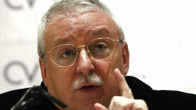 Primer Plano De Joaquín Leguina, uno de los autores de la obra.