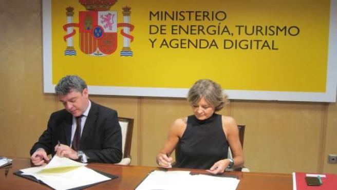 Nadal y Tejerina firman un convenio para fomentar el ecoturismo