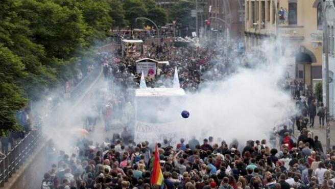 Una manifestación multitudinaria contra la cumbre del G-20 en Hamburgo.