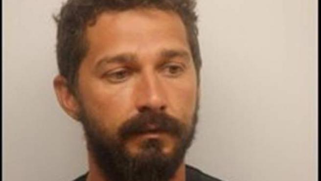 El actor Shia LaBeouf arrestado en Savannah, Georgia, EE UU.