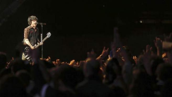 El cantante y guitarrista de la banda estadounidense Green Day, Billie Joe Armstrong, durante su actuación en el Festival Mad Cool de Madrid.