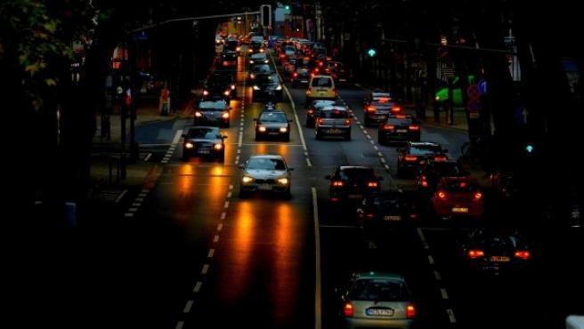 En verano hay menos riesgo de accidentes por deslumbramiento si lo comparamos con octubre, según un estudio de la Fundación Rementería.