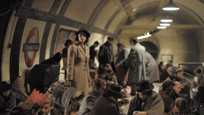 Fotograma de la película de Lone Scherfig 'Su mejor historia'.