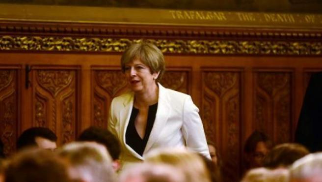La primera ministra británica, Theresa May, en el Palacio de Westminster, en Londres, momentos antes del discurso del rey de España, Felipe VI.