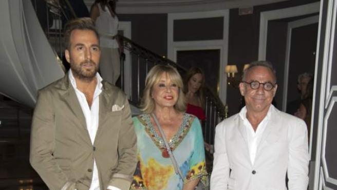 Raúl Prieto, director de 'Sálvame', Mila Ximenez y el arquitecto Joaquín Torres en la presentación del libro de Terelu Campos.