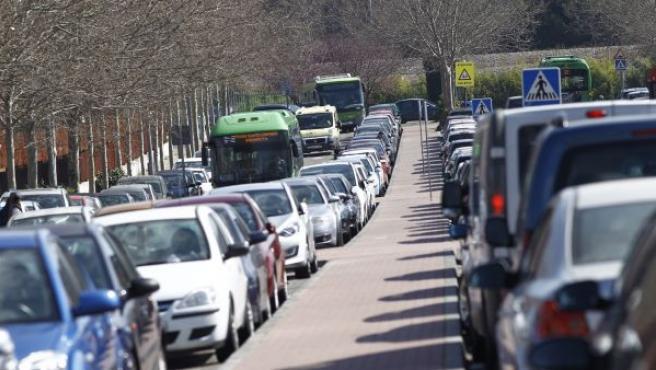 Cuando las carreteras secundarias tengan arcén pavimentado de al menos 1,50 metros de anchura o más de un carril para alguno de los sentidos de circulación, las velocidades máximas para turismos y motocicletas son de 100 km/h.