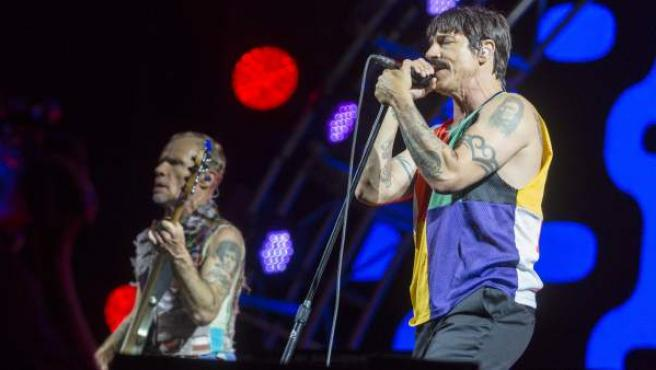 El cantante del grupo estadounidense Red Hot Chili Peppers, Anthony Kiedis, durante su actuación en el Festival Internacional de Benicassim,
