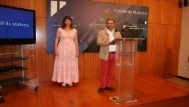 Cosme Bonet y Paula Ginard en la rueda de prensa
