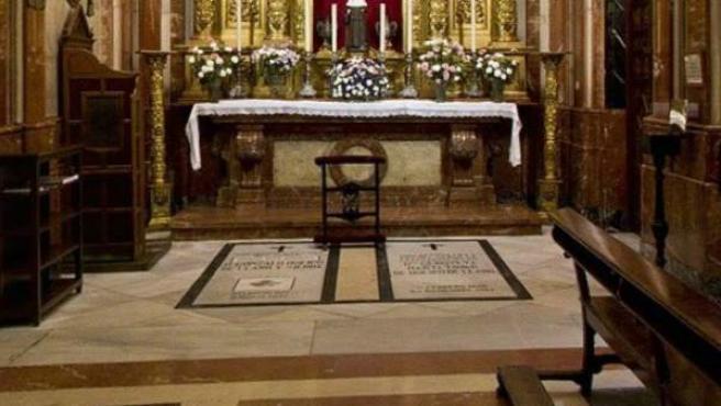 Tumba de Queipo de Llano, en la Basílica de la Macarena.