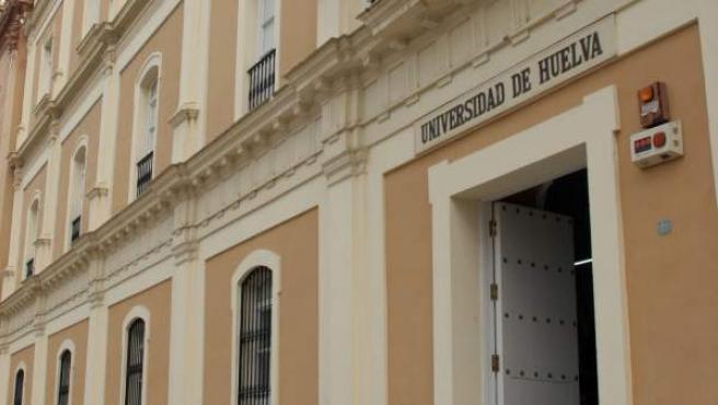Fachada de la Universidad de Huelva.