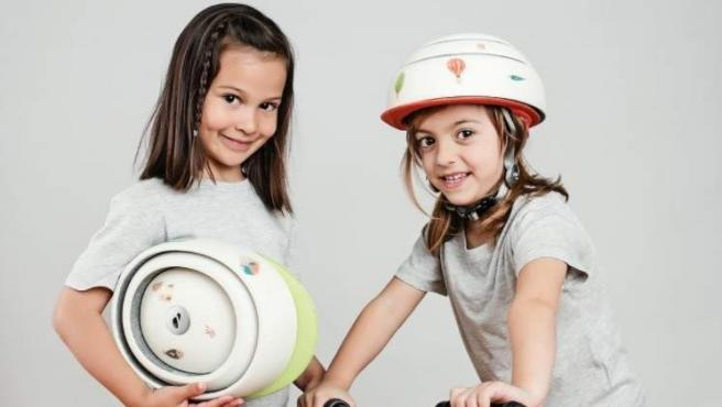 El casco contiene un chip NFC, que abre múltiples posibilidades de interacción digital con la ciudad.