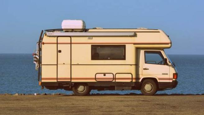 Llevar una autocaravana no requiere de un permiso especial siempre que no exceda de los 3.500 kilos y tenga un máximo de nueve plazas.