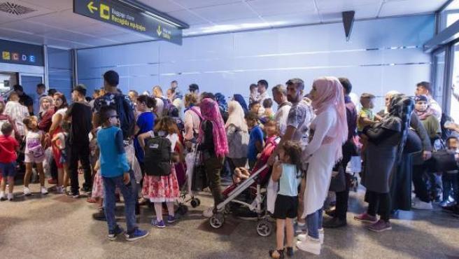 Imagen de los 184 refugiados sirios e iraquíes procedentes de Grecia que llegaron el pasado 19 de julio a España.
