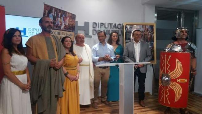 El presidente de la Diputación, Ignacio Caraballo, y alcalde de Aroche, Antonio.