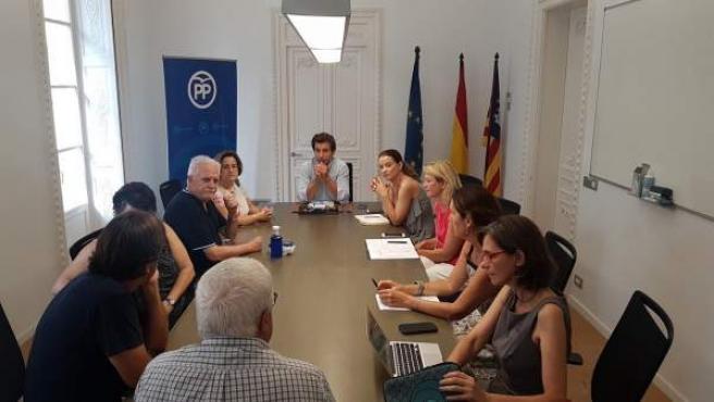El PP de Baleares se reúne con 'Illes per un Pacte'