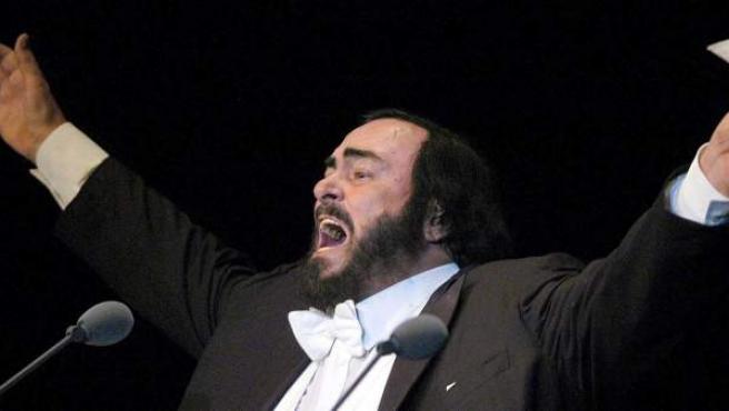 El tenor Luciano Pavarotti.