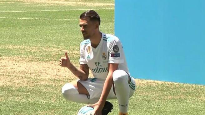 Dani Ceballos, en su presentación con el Madrid.