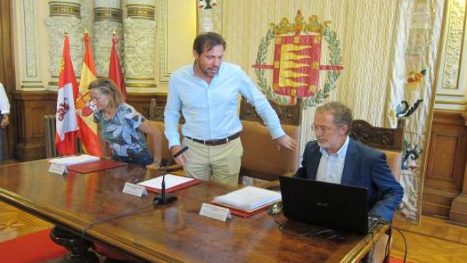 Óscar Puente en rueda de prensa