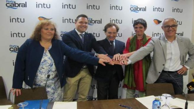 Firma Porto Cabral en Vigo