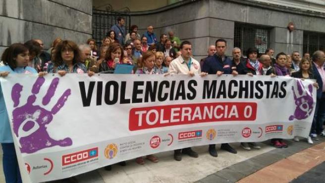 Concentración contra la violencia machista en Oviedo.