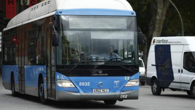 Un autobús de la Empresa Municipal de Transporte.