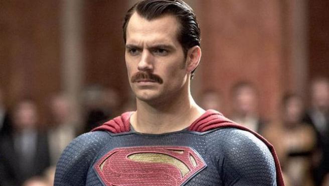 Superman con bigote: los mejores memes del mostacho de Henry Cavill