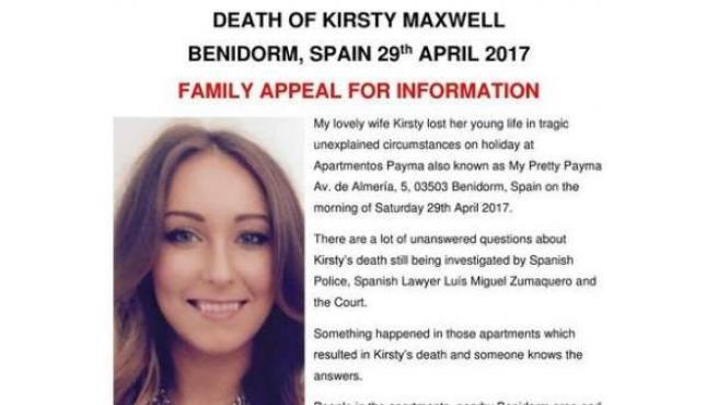 Cartel que pide colaboración ciudadana para investigar la muerte de la turista británica Kirsty Maxwell en Benidorm.