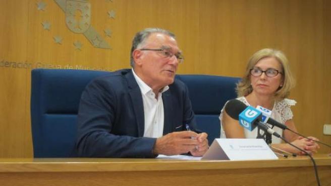 Alfredo García y Encarnación Rivas en rueda de prensa