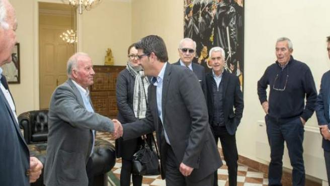 Joreg Rodríguez recibe a representantes del Tribunal de las Aguas