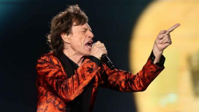 El vocalista de la banda británica The Rolling Stones Mike Jagger, durante un concierto en Lima (Perú).