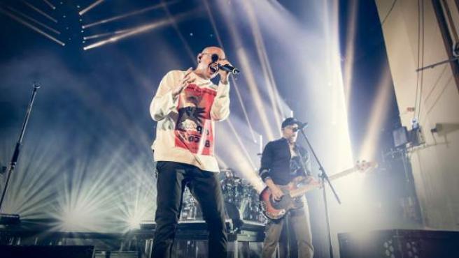 Bennington durante un concierto de Linkin Park en Londres.