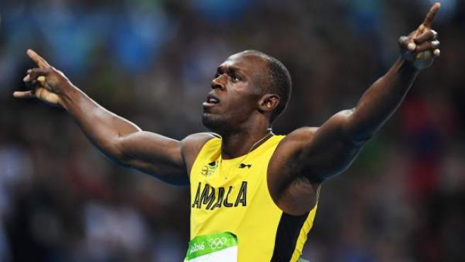 Usain Bolt celebra su victoria en los 200 metros de los Juegos de Río.