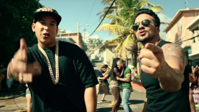 Daddy Yankee y Luis Fonsi, en el videoclip de 'Despacito'.