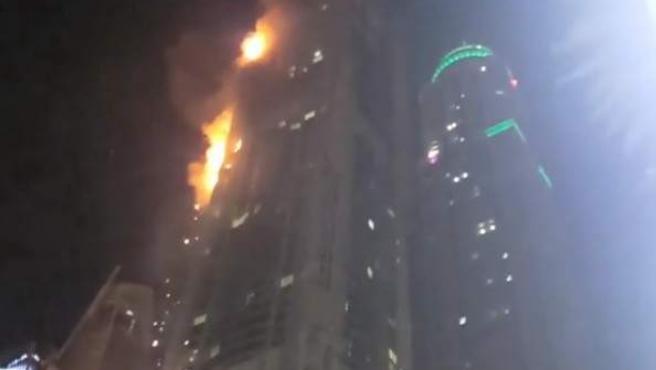 El incendio de la Torre Antorcha de Dubai.