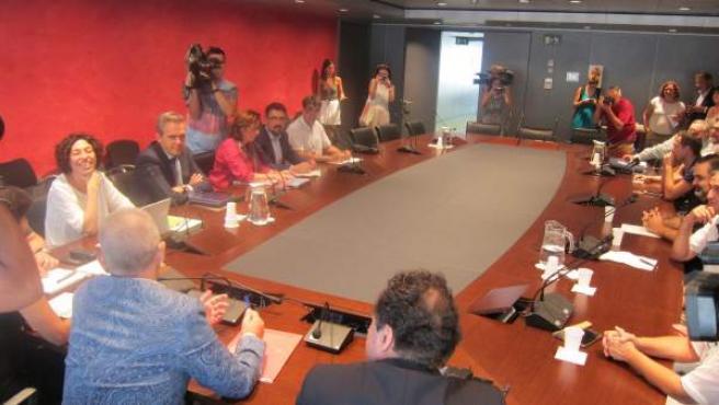 Reunión entre Aena, Eulen y trabajadores con motivo de la huelga en el Aeropuerto de Barcelona.