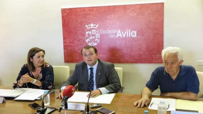 Ávila.- Eduardo Duque da a conocer el ganador del premio