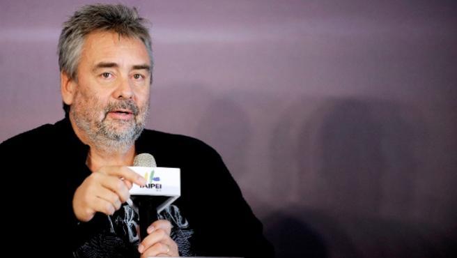 Luc Besson pasa al ataque con las películas de superhéroes