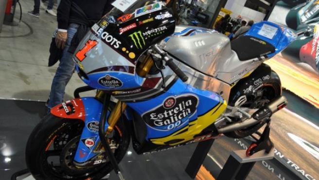 Imagen de la motocicleta del campeón del mundo de Moto2 (2014), Tito Rabat